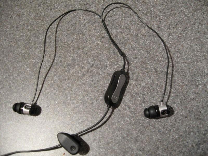 treo-pro-headset-5-l.jpg - PalmInfocenter.com Image Detail