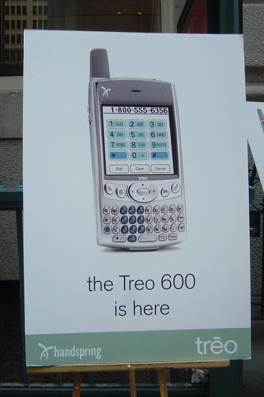 treo600/1_l.jpg - PalmInfocenter.com Image Detail